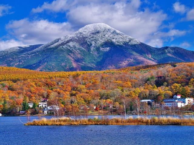 白樺高原 白樺湖 茅野市 の紅葉見頃時期はいつ おすすめホテルも